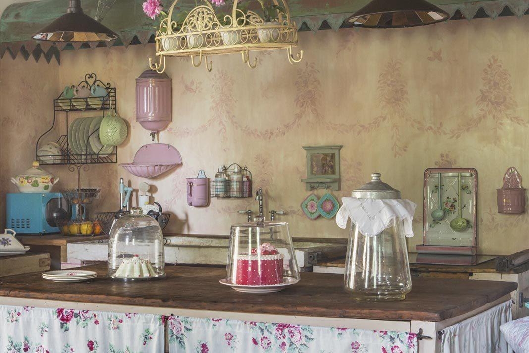 Antichi tessuti francesi per arredare una casa romantic chic - Arredare casa antica ...