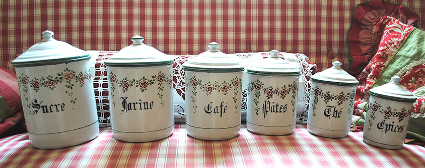 Canisters set roses garlands