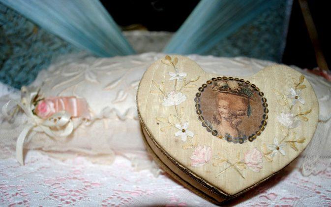 Ribbonwork heart box boudoir