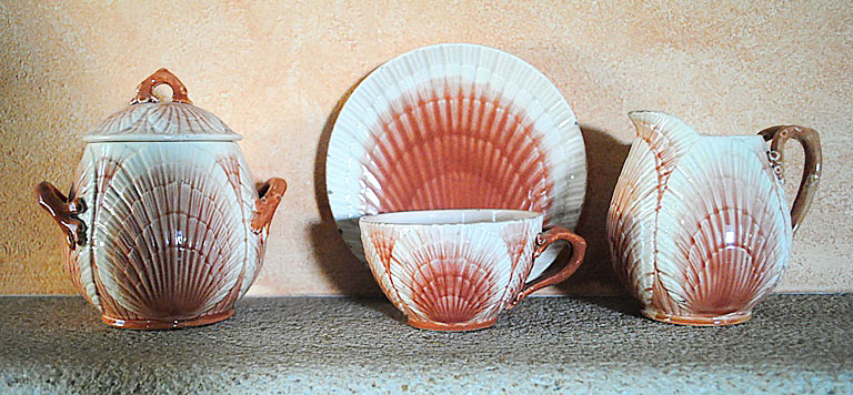 Barbotine tea set shells