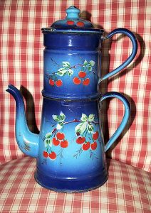 Antique enameled coffee pot blue - Red cherries