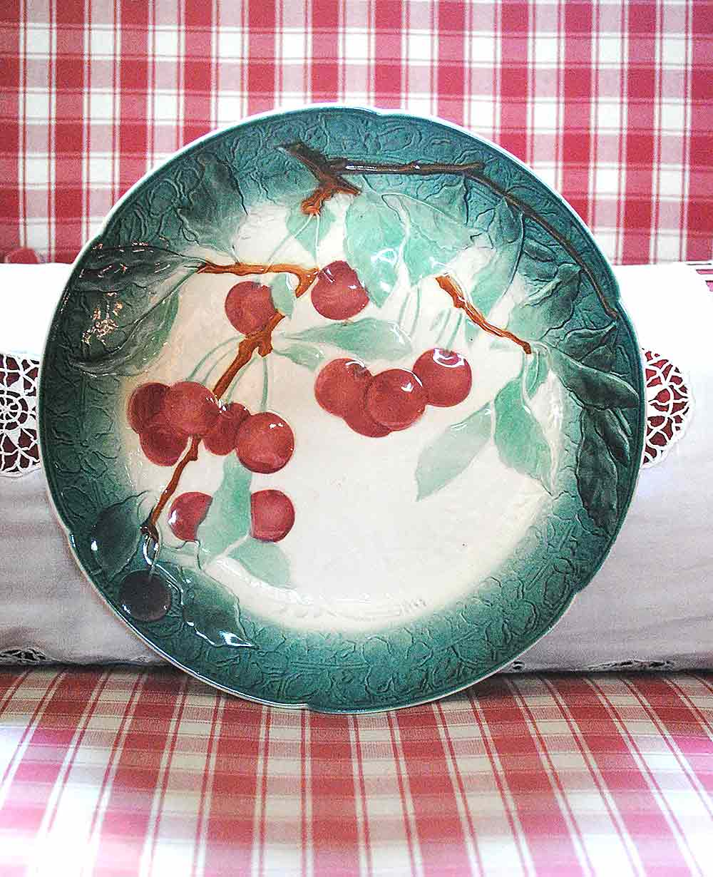 Barbotine plate cherries