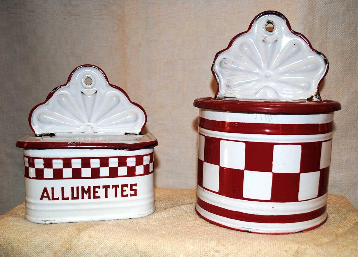 Enameled kitchen boxes lustucru red