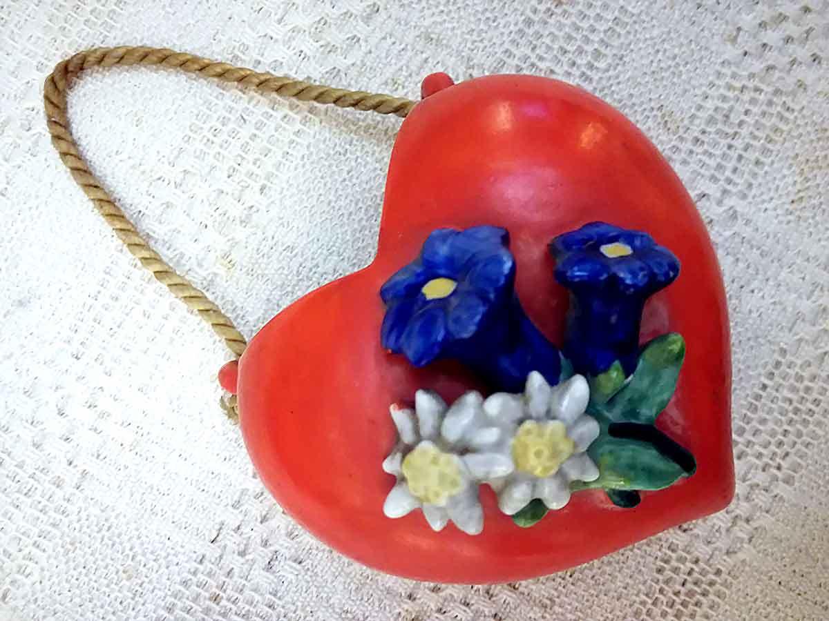 Barbotine wall vase heart