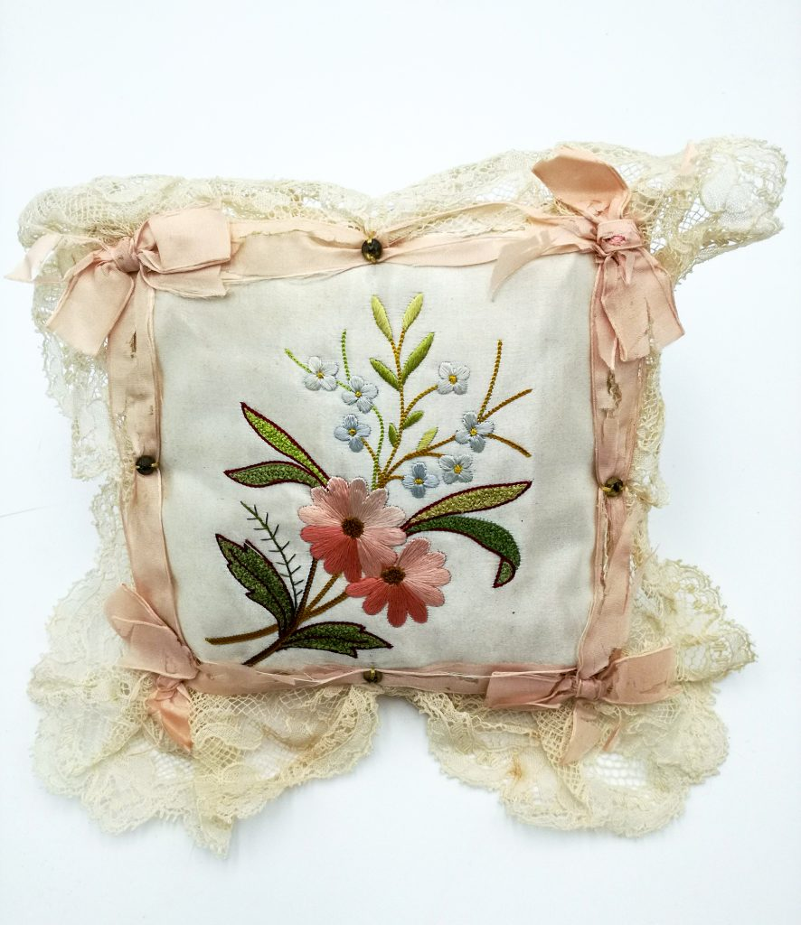 Antique victorian pin cushion floral (1)